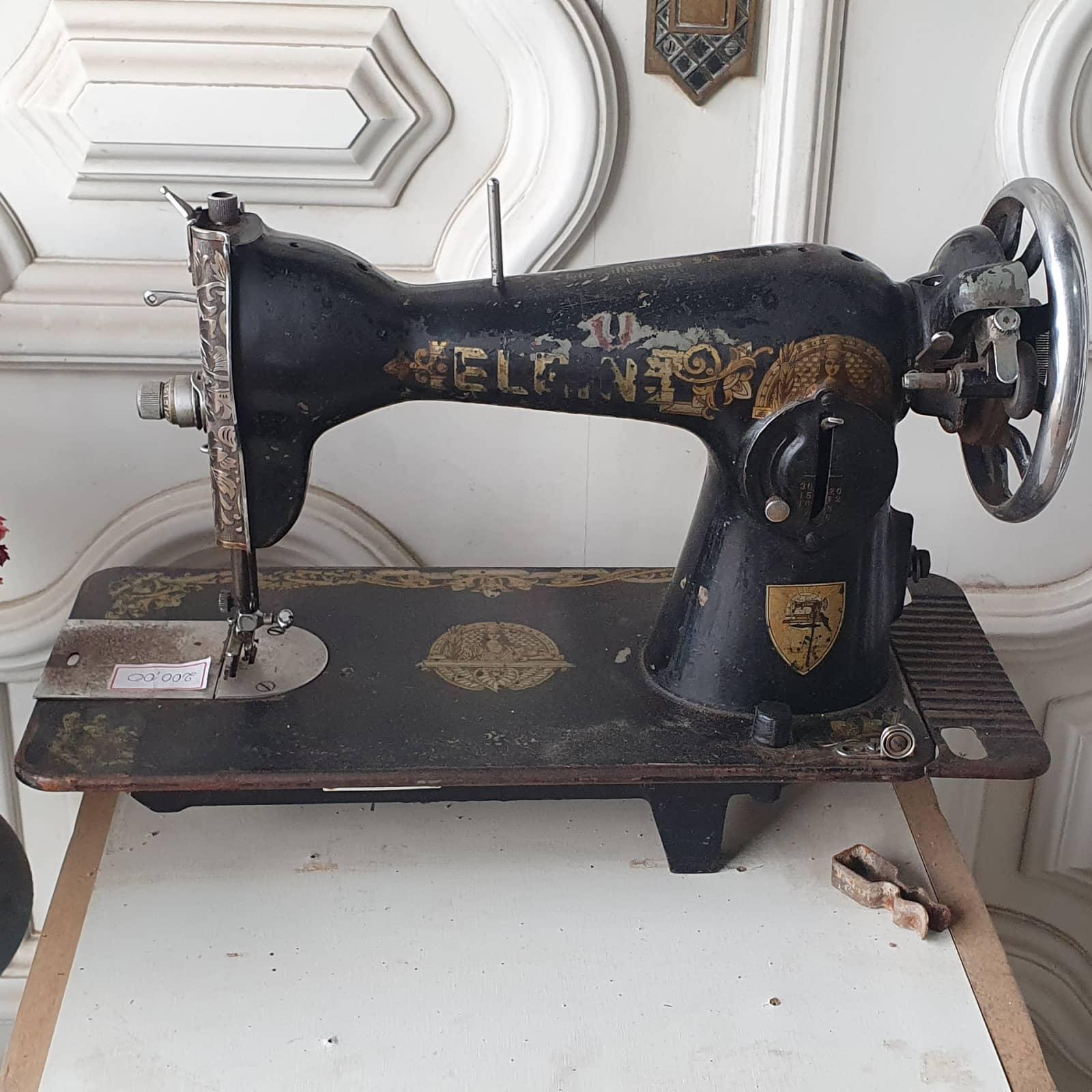 Maquina de costura antiga
