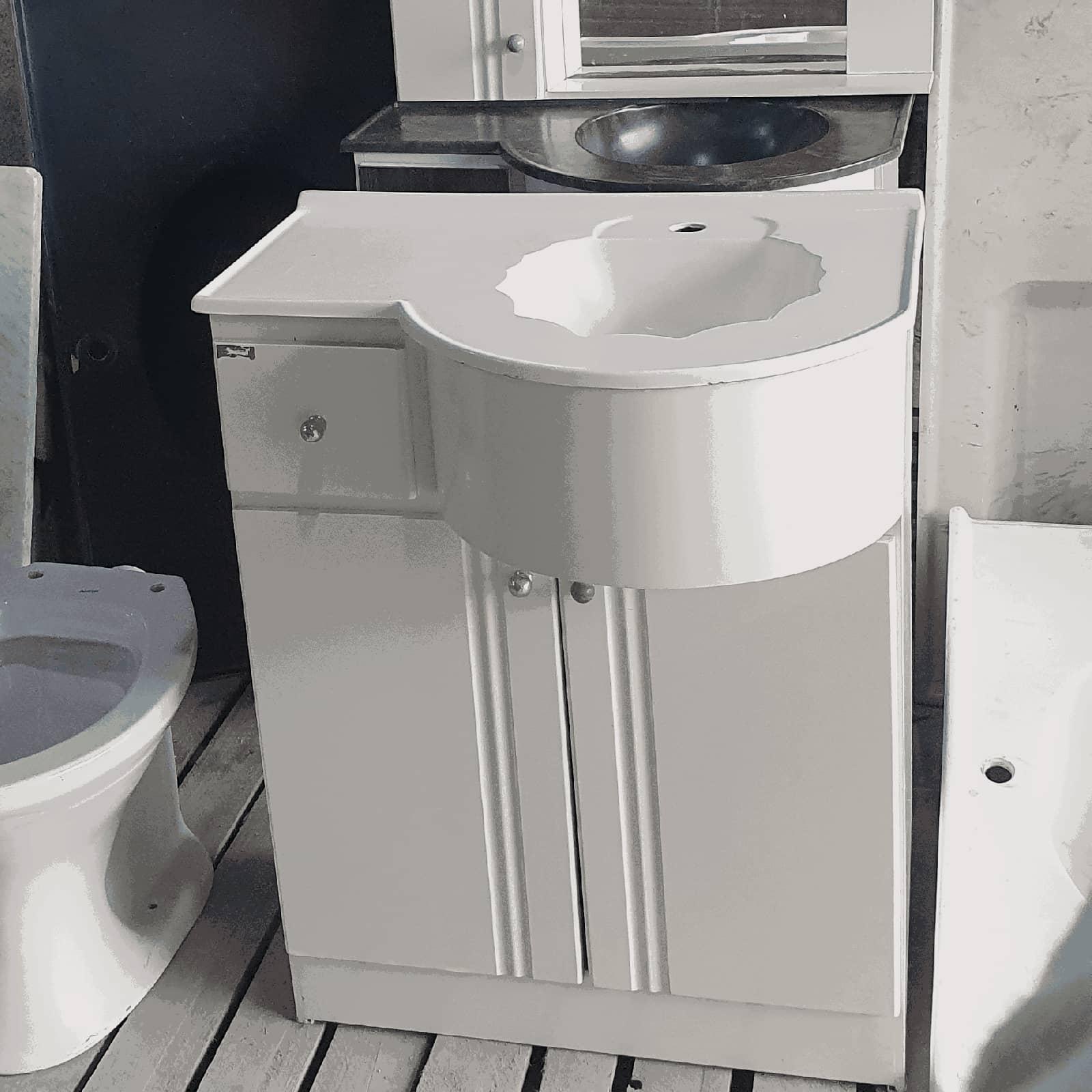 Armário com pia para banheiro
